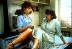 """So, und jetzt die Beine breit! Isabelle Huppert (l.) als """"Engelmacherin"""""""