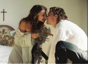 Ein Küsschen in Ehren... Heath Ledger lässt nichts anbrennen