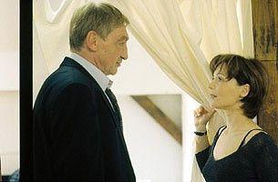Wirst du mich von meinem Mann befreien? Julia Stemberger schmiedet ein Komplott
