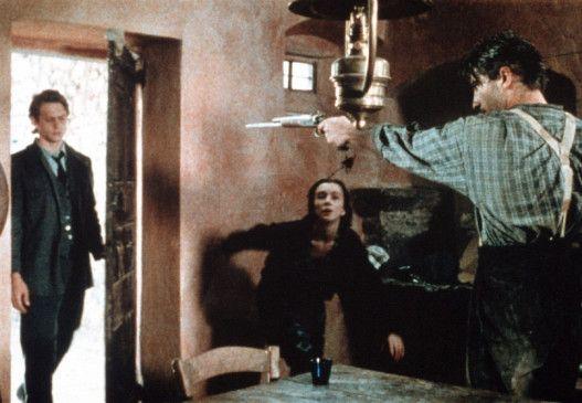 Guillaume (Olivier Cruveiller, r.) will Roch (Lucas Belvaux) töten