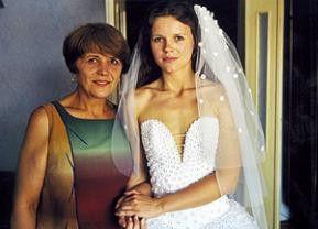 Hochzeit in Czernowitz: die Braut freut sich auf das Fest