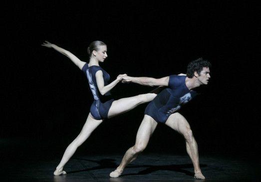 "Myriam Ould-Braham tanzt ""Genus"" mit Jérémie Belingard"