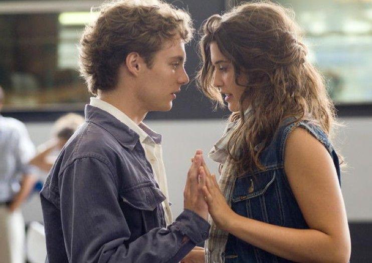 Lucas (Théo Frilet) und Clémence (Valentine Catzéflis) scheinen sich zu mögen