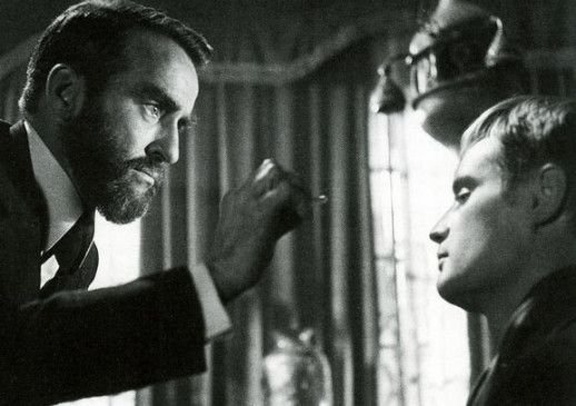 Freud (Montgomery Clift, l.) wagt ein Experiment