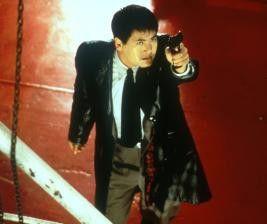 Stehenbleiben, oder ich schieße! Chow Yun-Fat meint  es mal wieder ernst