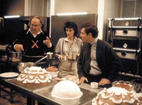 Kocht auf kleiner Flamme: Robert Morley, Jacqueline Bisset und George Segal (v.l.)
