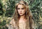 Manon (Emmanuelle Beart) ist in das Bergdorf zurückgekehrt, um den Tod ihres Vaters zu rächen