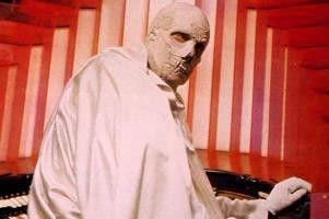 Wann bekomme ich endlich meine Schönheitsoperation!  Vincent Price als Dr. Phibes