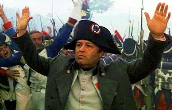Die Niederlage zeichnet sich ab: Rod Steiger als Napoleon
