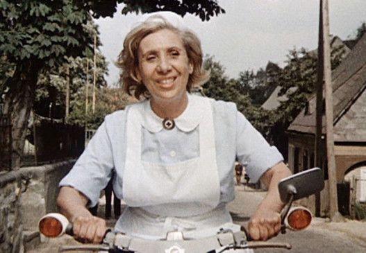 Agnes Kraus in ihrer bekanntesten Fernsehrolle als Schwester Agnes