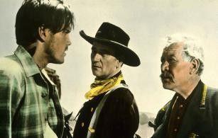 Und wir finden sie doch - der Tag wird kommen!  Jeffrey Hunter, John Wayne und Harry Carey jr. (v.  l.)