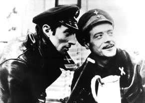 Ich glaube, wir haben ein Opfer gefunden! Gérard Poirot (l.) und Jean Brassat als Karabinieri