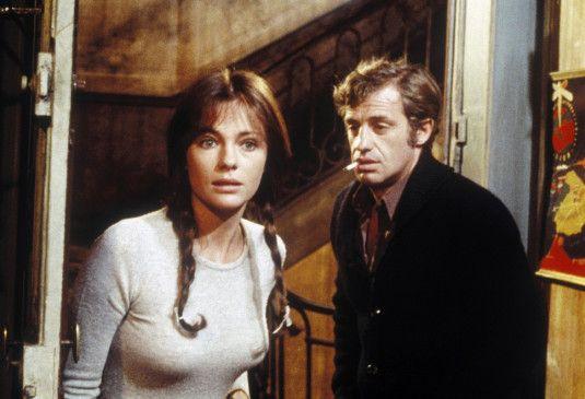 François Merlin (Jean-Paul Belmondo) hat sich in seine schöne Nachbarin Christine ( Jacqueline Bisset) verguckt ...
