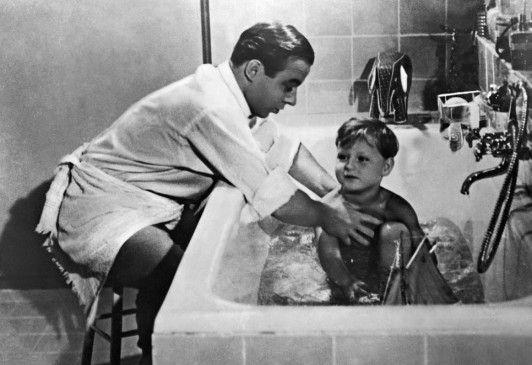 Das fidele Junggesellenleben ist vorbei: Heinz Rühmann mit Filmsohn