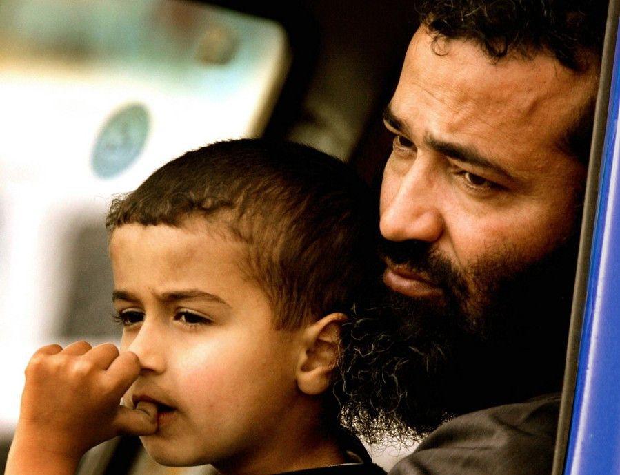 Abu Amar mit seinem kleinen Sohn