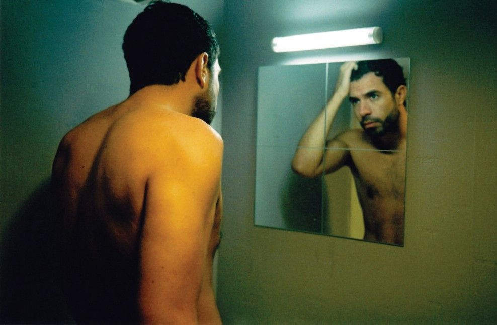 Russell (Tom Cullen) sucht den Mann fürs Leben