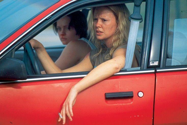 Auf Rachefeldzug! Charlize Theron beweist als Prostituierte Aileen Mut zur Hässlichkeit