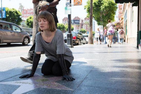 "Auf dem ""Walk of Fame"": Mia Wasikowska."