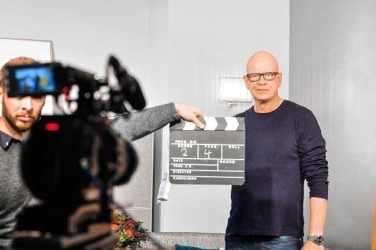"""Der ehemalige """"K11""""-Kommissar Michael Naseband stand als Star des Werbespots für die neue prisma-TV-App vor der Kamera."""