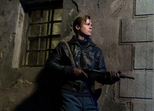Max Vatan (Brad Pitt) ist auf verfolgungsjagd.