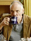 """Charakterdarsteller Hans Peter Hallwachs kann auch lustig - wie in """"Mord mit Aussicht"""" als Hannes Haas."""