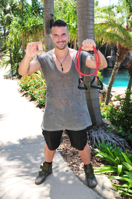 Marc Terenzi nimmt ein Fitness-Band und Ohrstöpsel mit in den Dschungel.