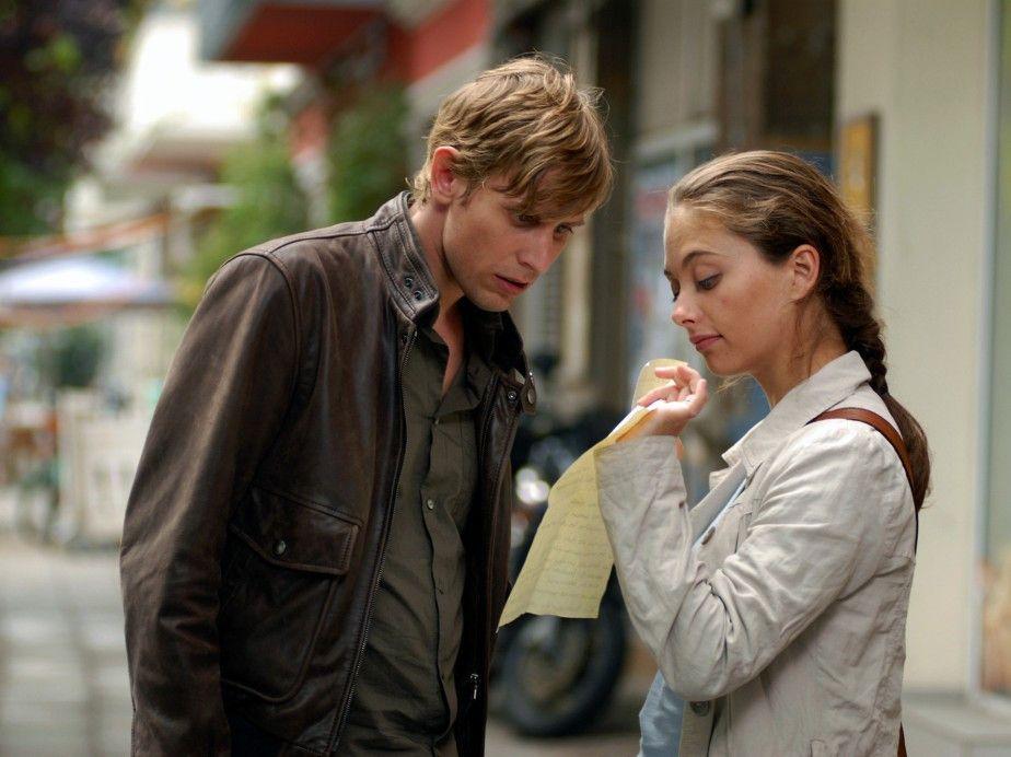 Felix (Martin Glade) ist von der To-Do-Liste seiner zukünftigen Frau (Heike Warmuth) nicht begeistert
