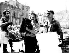 Michel Piccoli, Ghislain Cloquet, Paul Paviot (v.l.) am Set in Saint-Tropez