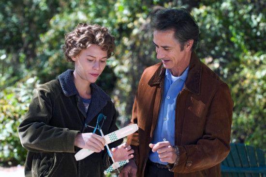 Lehrer Dr. Carlock (David Strathairn) erkennt Temples (Claire Danes) Fähigkeiten und unterstützt das junge Mädchen