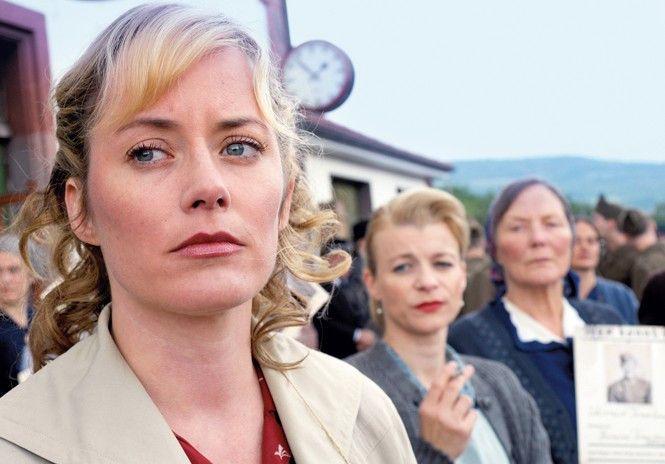 Liesbeth Steiner (Silke Bodenbender) wartet verzweifelt auf den Ehemann