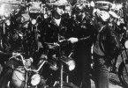 Johnny (Marlon Brando, M.) ist der Anführer des Black Rebel Motorcycle Clubs