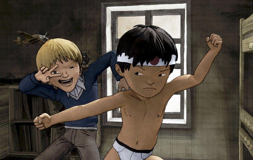 Jungs Adoptivbruder (l.) macht sich über dessen Begeisterung für japanische Kampfkunst lustig ...