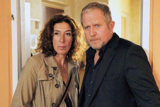 Eisner (Harald Krassnitzer) ist von seiner Kollegin (Adele Neuhauser) nicht gerade angetan