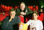 Bloch (Dieter Pfaff, Foto, M. mit Fabian Hinrichs und Chantel Brathwaite) passt auf