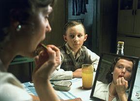 Der kleine Spider (Bradley Hall) bewundert Miranda Richardson