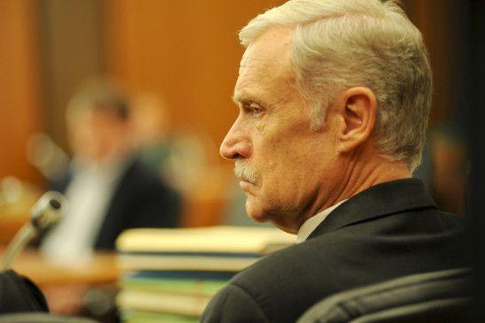 Polizei-Vizepräsident Wolfgang Daschner (Robert Atzorn) muss sich vor Gericht verantworten