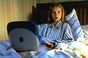 Das Mädchen von der Alm liebt Apple-Notebooks!  Cornelia Gröschel als Heidi