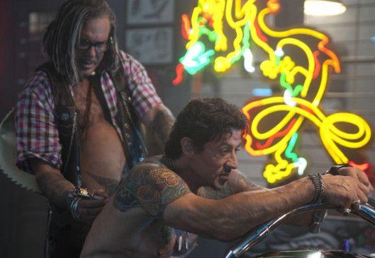 Tattoos müssen sein! Mickey Rourke (l.) und Sylvester Stallone