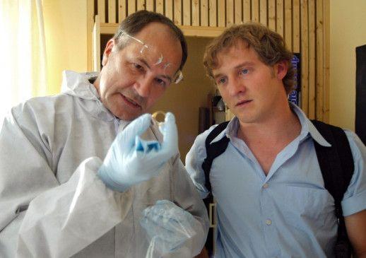 Spurensicherung am Tatort: Maximilian Brückner (r.) und Hartmut Volle