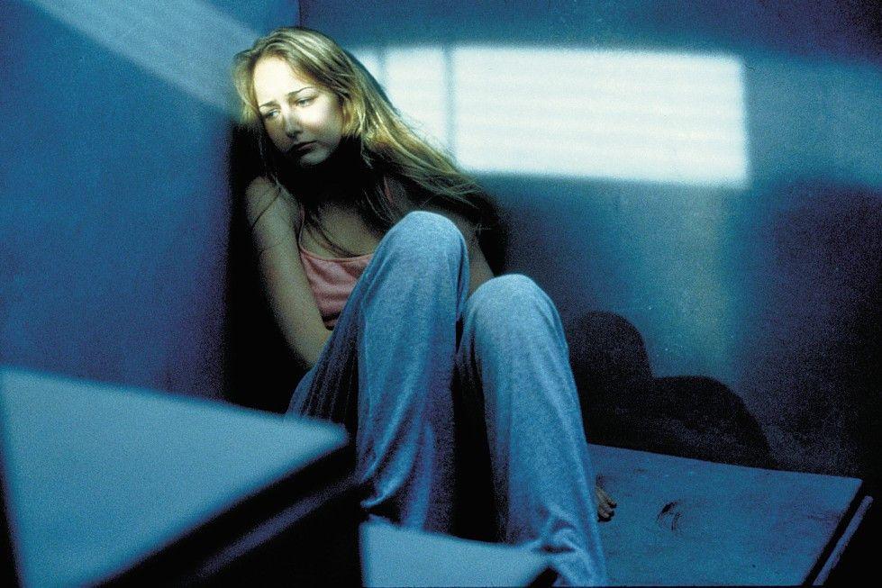 Ruby (Leelee Sobieski) ahnt bald, was Glass im Schilde führt ...