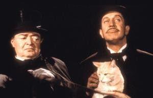 Peter Lorre (l.) und Vincent Price fragen sich: Soll die Katze etwa Boris Karloff sein?
