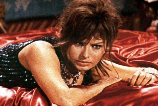 Schaut recht angestrengt: Sophia Loren als Epifania Parerga