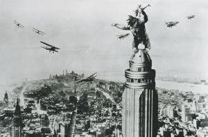 King Kong versetzt New York in Angst und Schrecken