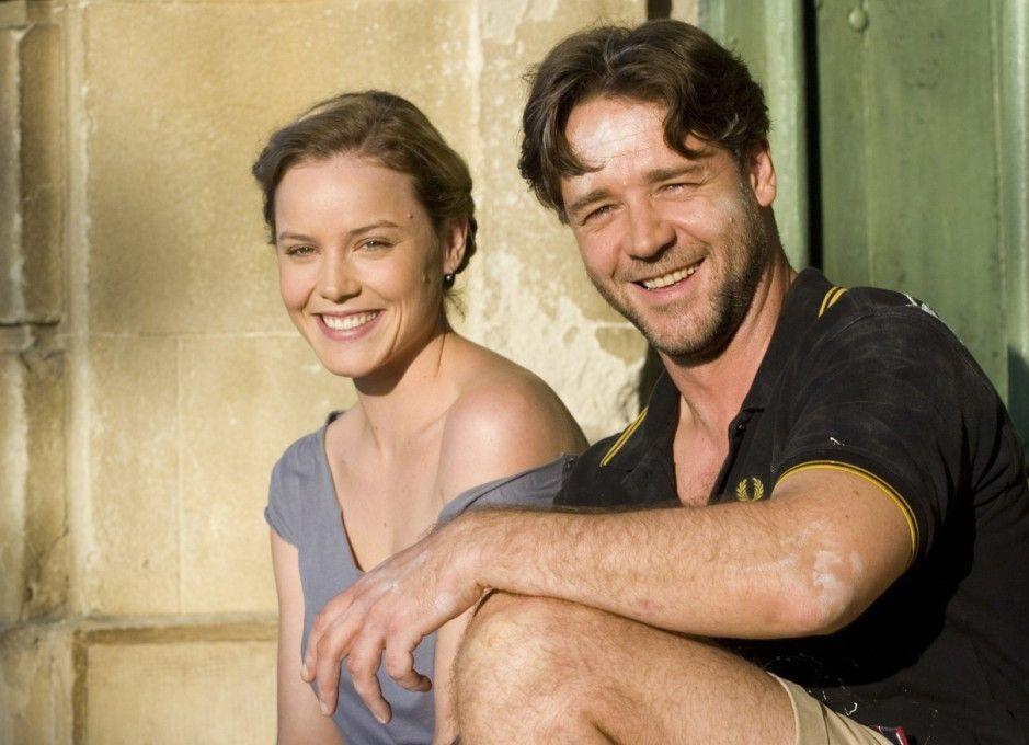Hat mal Spaß abseits der Börse: Russell Crowe mit Abbie Cornish