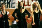 Die Mädels auf der Bühne: Bernie (Bronagh Gallagher), Natalie (Maria Doyle, M.) und Imelda (Angeline Ball, r.)