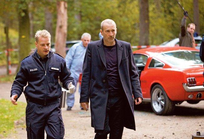 Auf Fabel (Peter Lohmeyer, r.) und Hermann (Hinnerk Schönemann) wartet viel Arbeit
