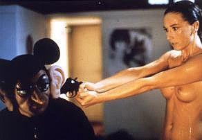 Jetzt zieh' schon endlich die Maske aus, ich bin  doch schon nackt!