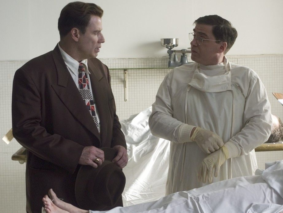 Schon wieder eine Leiche! John Travolta (l.) ermittelt