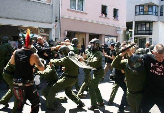 Hauptsache Straßenschlacht - die wurde in Saarbrücken gespielt