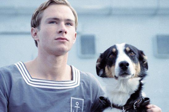 Massina (Nicolas Robin) mit Hund